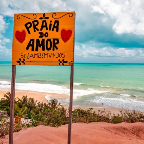 Imagem representativa: Praia no Amor | Conheça Agora | Dica de turismo na Praia de Pipa